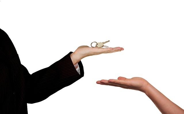 כיצד נערכים לקראת מכירת דירה?
