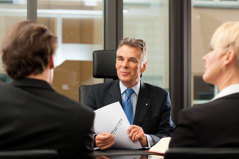 היתרונות והחסרונות של מימון חוץ בנקאי לעסקי