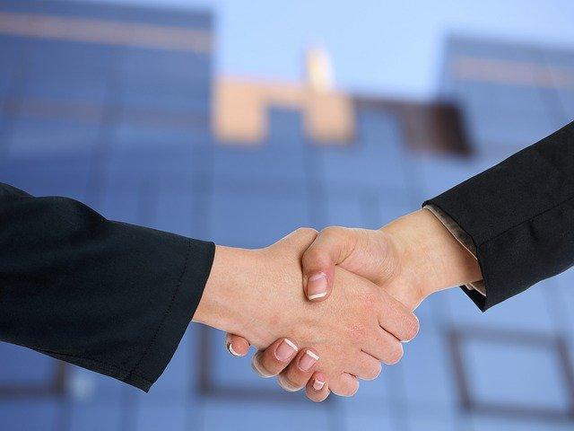 פגישת ייעוץ אצל עורך דין